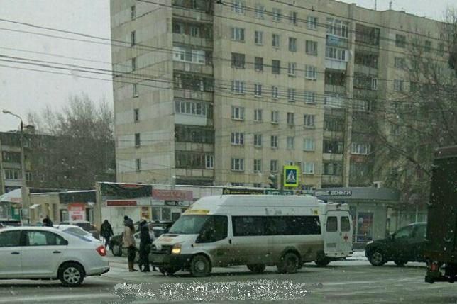 ДТП произошло в Тракторозаводском районе минувшим утром