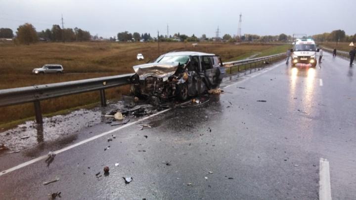 Три человека погибли в жёстком ДТП с участием фуры на Чуйском тракте