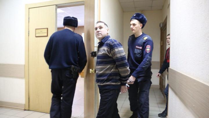 В Новосибирске начался суд над бывшим полицейским по делу о серийных убийствах 19 женщин