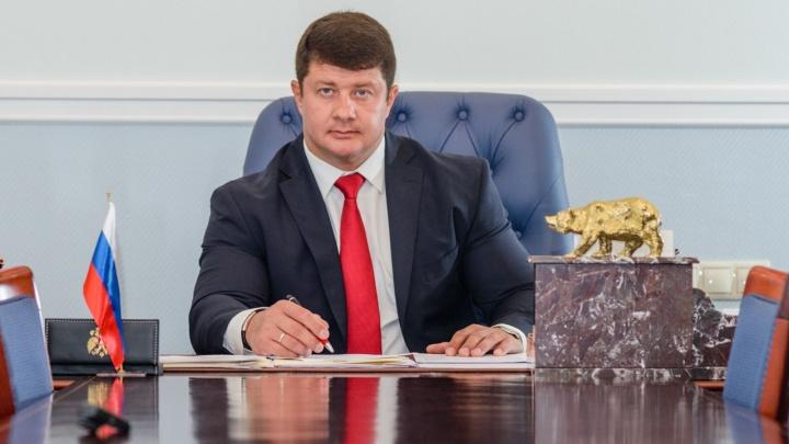 «Чуть не проиграл город в карты»: в Ярославле появился липовый мэр