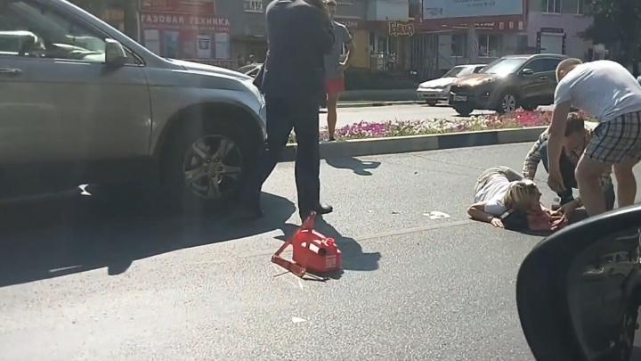 На Гагарина женщина угодила под колёса кроссовера