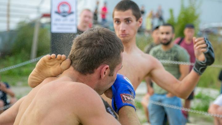 Мясорубка под открытым небом: в Красноярске впервые прошел турнир по уличным боям