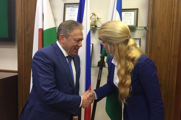 По словам Евгении, в день встречи с мэром поводов для гордости и радости у нее было гораздо больше, чем для негодования