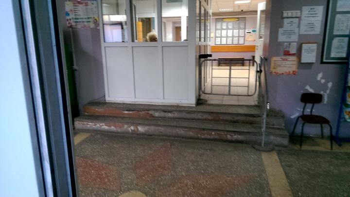 Омич заявил, что его насильно выписали из больницы за жалобы на сквозняки