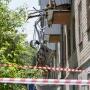 Выбирались через дыру: из-за взрыва в доме на ЧМЗ обвалилась стена