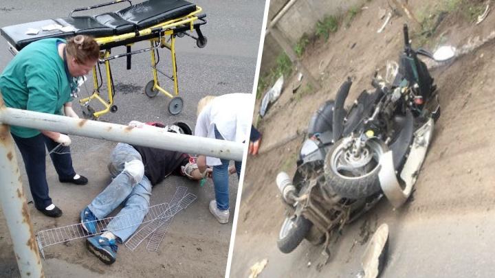 Ушибы и перелом костей: в ДТП в Ярославле серьёзно пострадал скутерист
