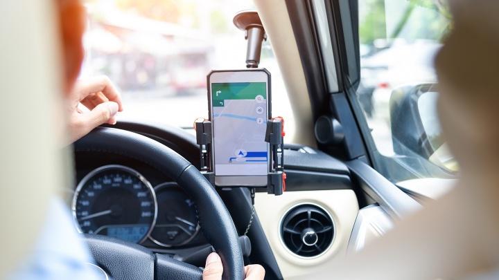Руль со смартфоном: придумали, как за рулем не расставаться с гаджетом