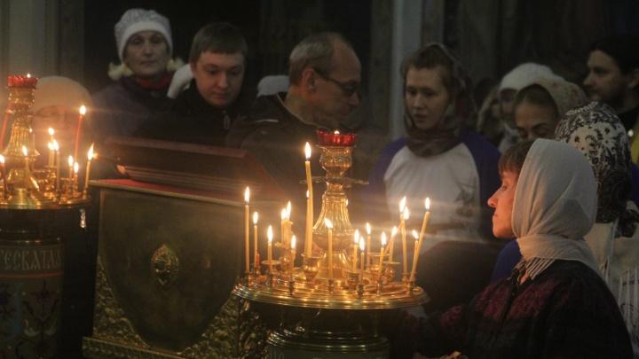В Архангельске к мощам святителя Луки выстроилась очередь