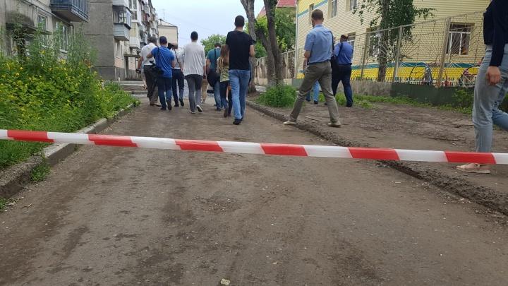 Дмитрий Фролов упрекнул челябинских подрядчиков в затягивании сроков ремонта дворов в Кургане