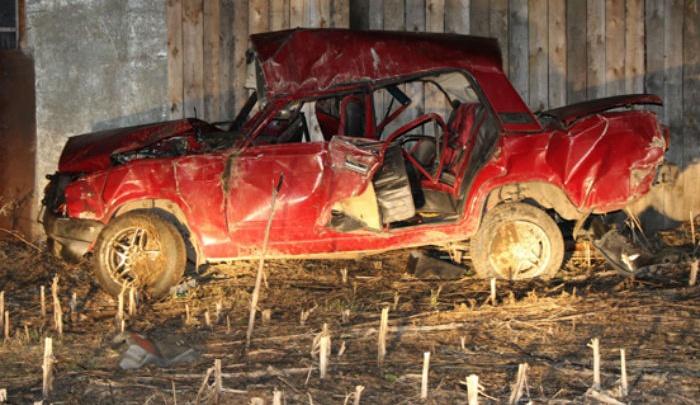 На трассе в Башкирии перевернулась легковушка: пострадал подросток