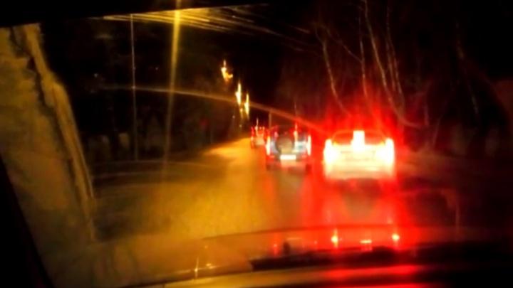 «Проходит следственный эксперимент»: ГИБДД перекрыла улицу Проезжую