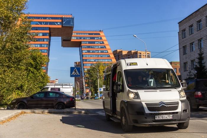 Маршрут №7 связывает Шлюз с верхней и нижней зонами Академгородка, а также с Технопарком