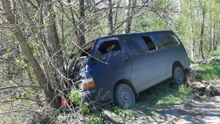 Водитель «Тойоты» скрылся с места ДТП и погиб после столкновения с деревом
