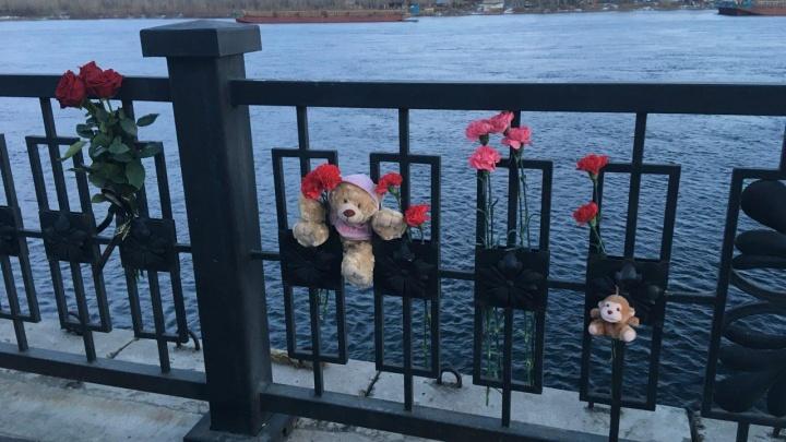 Тысячи неравнодушных красноярцев вышли почтить память погибших на пожаре в Кемерово