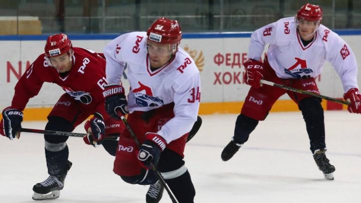 «Их разделили на две команды»: игроки «Локомотива» сразились друг с другом в контрольном матче