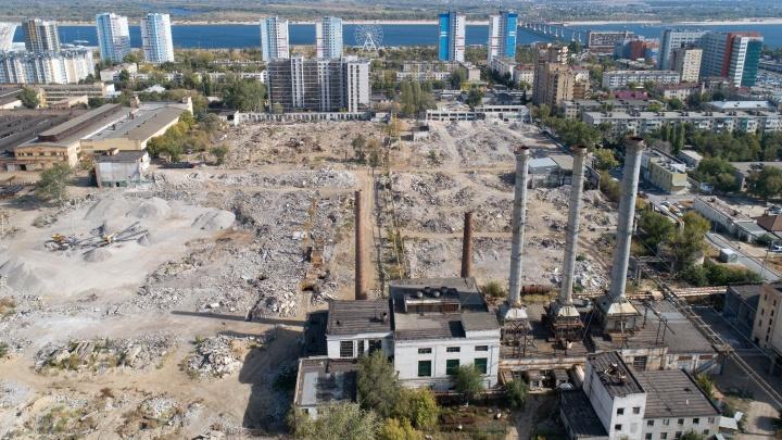 «Застройка откладывается»: в Волгограде завершился снос Метизного завода