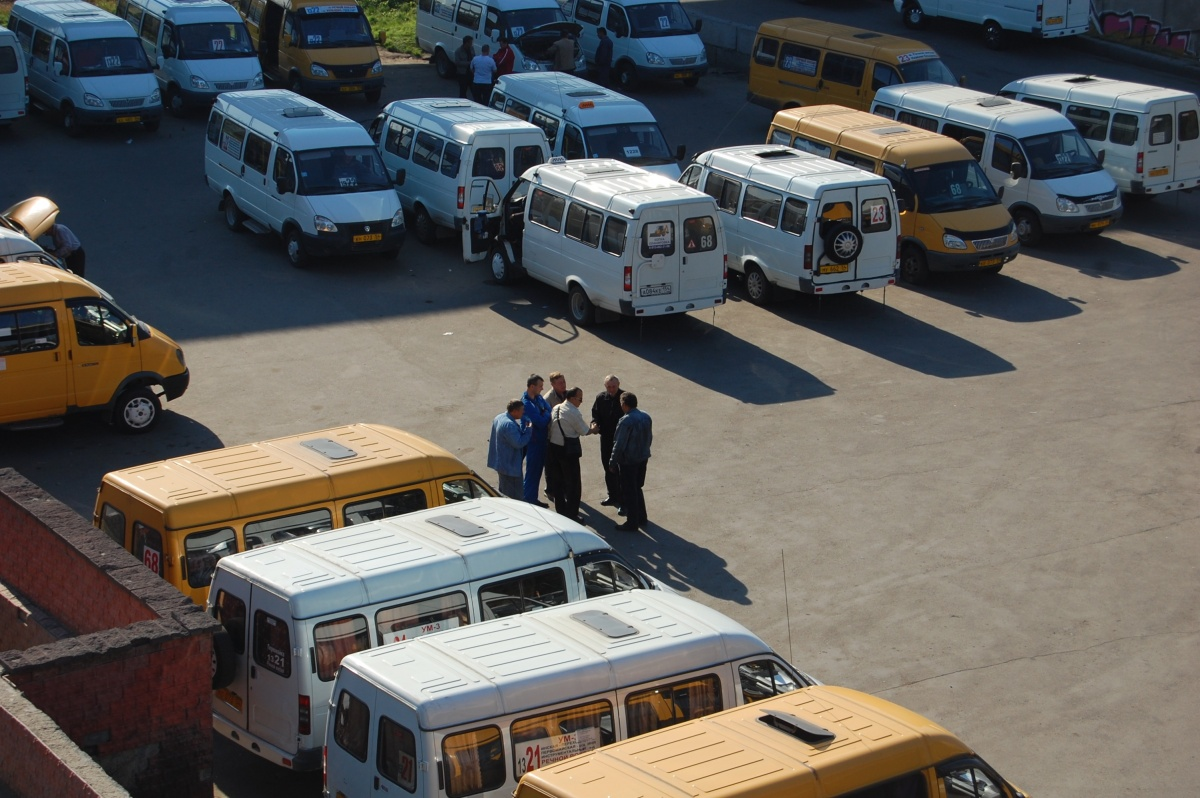 На тренировку приехали несколько десятков машин ОМОНа