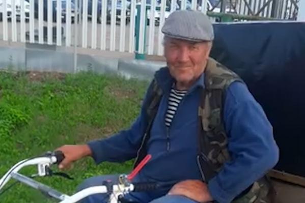 Чтобы доехать на мотоблоке до Оренбургской области, деду Саше понадобилось 5 дней