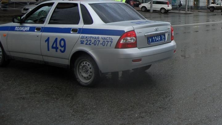 Две фуры перекрыли движение на Гусинобродском шоссе