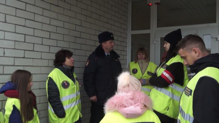 «Девушки просят проводить до подъезда»: народная дружина на Суворовском вышла на улицы микрорайона