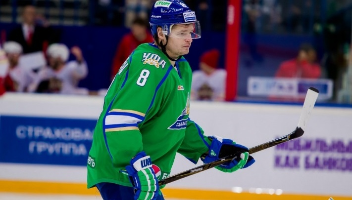 «Салават Юлаев» расторг контракт с защитником команды