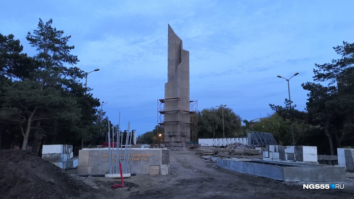 На бульваре Победы демонтировали скульптуры солдат
