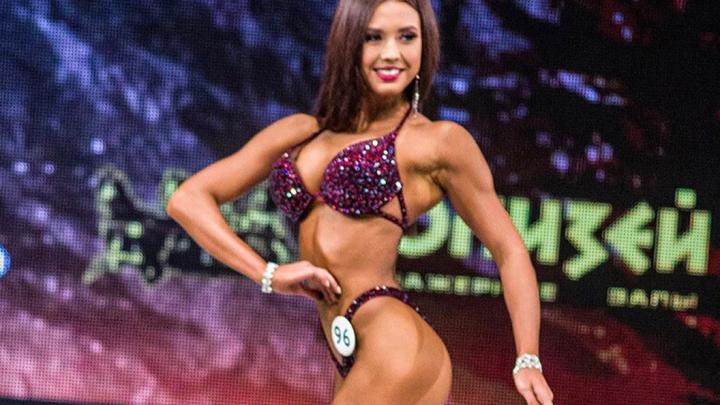 Юная красноярская спортсменка с красивым телом стала чемпионкой России