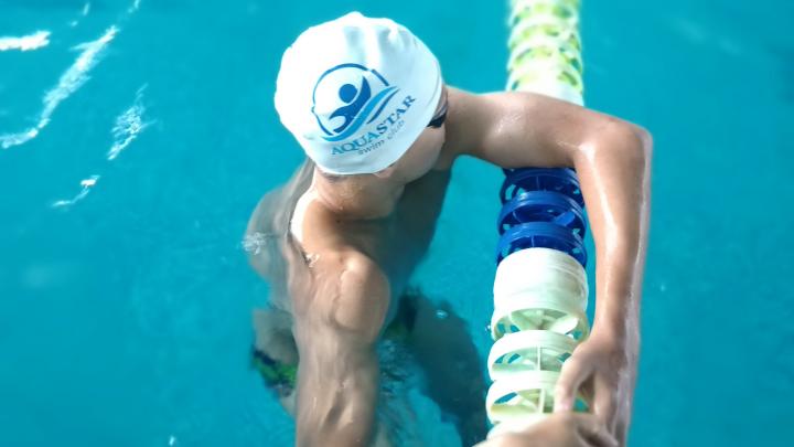 Клуб плавания AquaStar проводит набор во взрослые и детские группы
