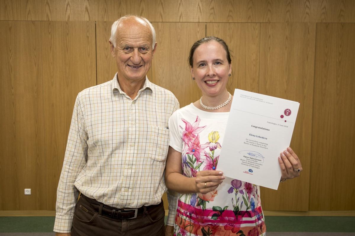 Невролог Лебедева Е. Р. только что защитила диссертацию по головным болям под руководством профессора Jes Olesen в университете Копенгагена