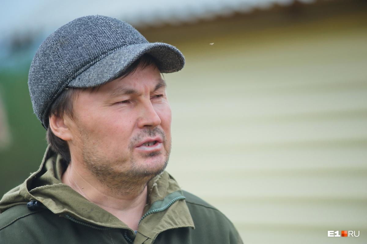 Валерий Анямов считает, что Михаил Пеликов сам мог забрать свою семью, но понадеялся на других