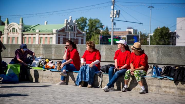 Губернатор Городецкий прокомментировал голодовку дольщиков на площади Ленина