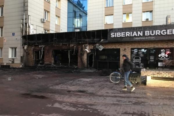 В 2017 году «Академия кофе» горела дважды. На фото — последствия первого, октябрьского, пожара