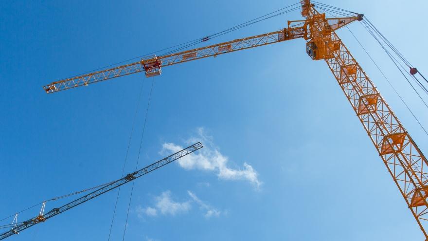 По две в день: в Волгоградской области количество строительных компаний сократилось на 17,5%
