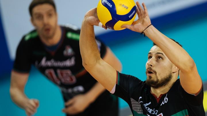 Волейбольный «Локомотив» всухую проиграл «Енисею» в заключительном матче этого года