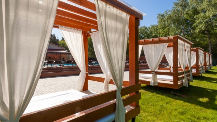 Не нужен мне берег турецкий: парк-отель приготовил для новосибирцев пляжный отдых VIP-класса