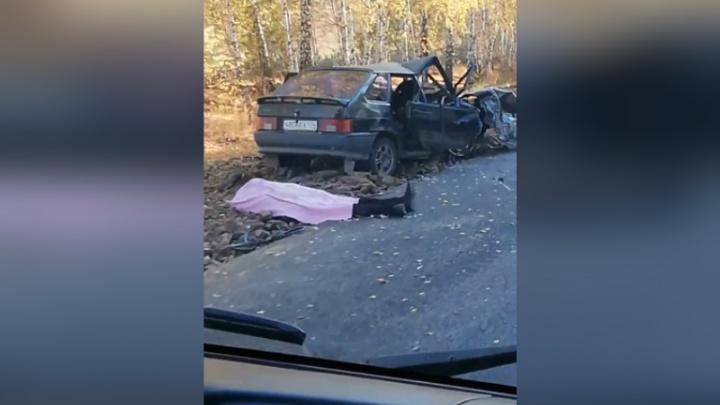 КАМАЗ смял легковушку: на трассе в Башкирии произошло смертельное ДТП