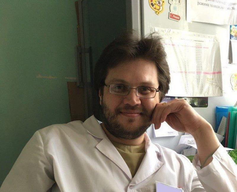 Борис Кондрашин успел поработать не только в больнице, но и в аптеке