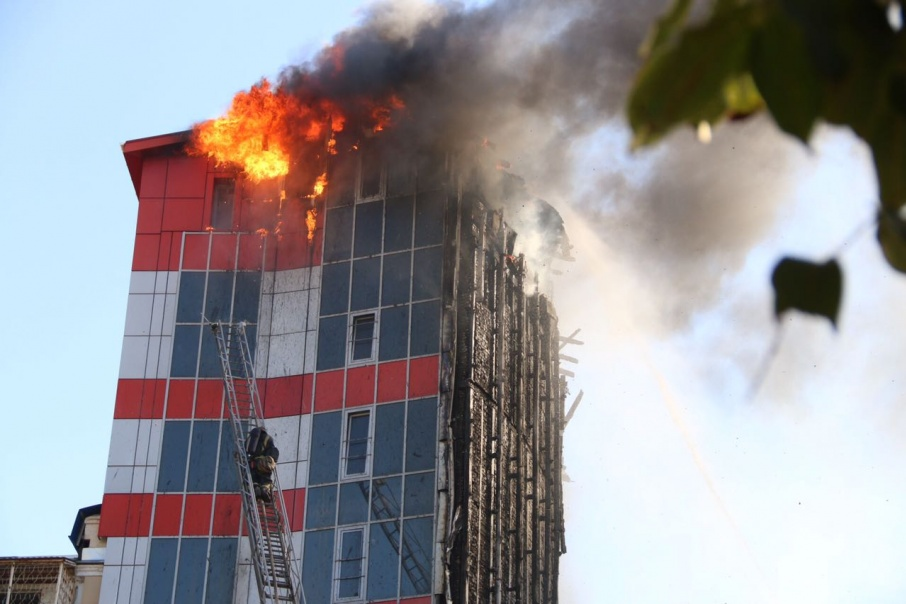 Некоторые «недочеты» могут стоить жизни людям, как это случилось при пожаре в Torn House