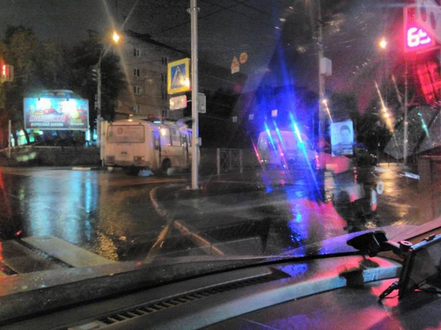 ДТП вНовосибирске: автобус «ПАЗ» сбил 33-летнюю молодую женщину