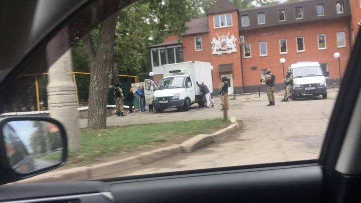Маски-шоу с «Газелью»: силовики задержали мужчину в парке Гагарина