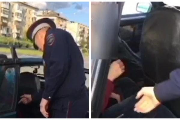 Сотрудник потянулся к женщине, она оттолкнула его руку