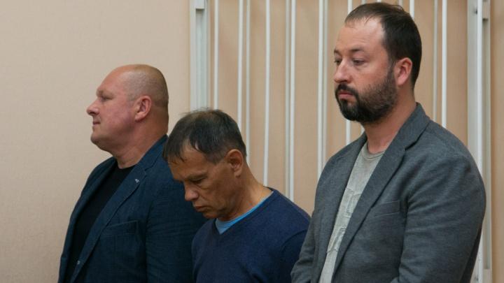 Условные сроки и штрафы: обвиняемые в мошенничестве депутат и чиновник отделались легким испугом