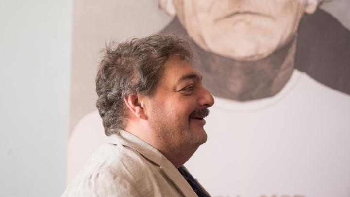 Писатель Дмитрий Быков открыл в Ростове проект «Прямая речь» лекцией о русских анекдотах