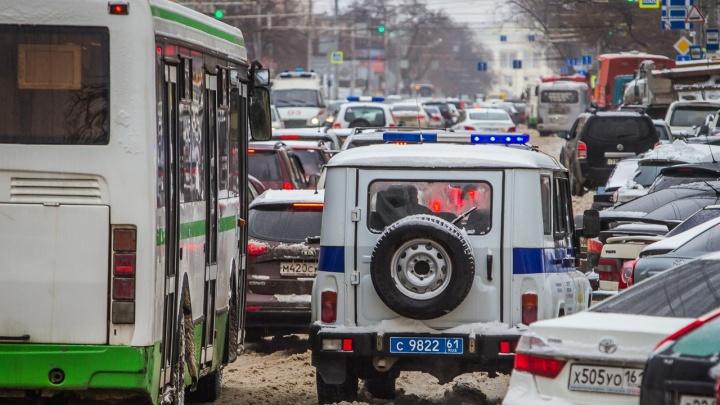 За год 58 тысяч ростовчан оштрафовали за езду по выделенной полосе