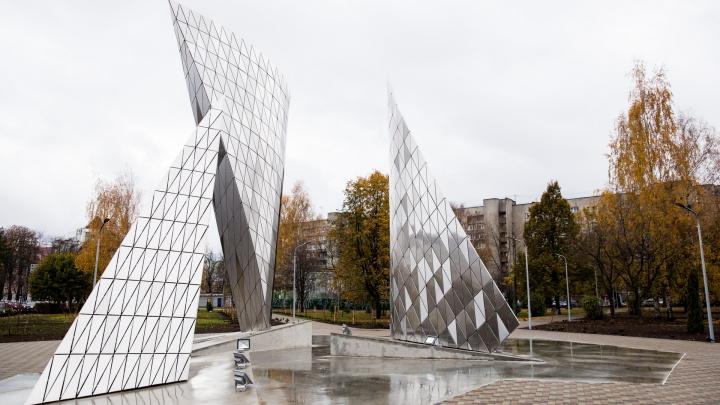Завтра в Ярославле откроют памятник 100-летию ВЛКСМ. Но он будет не таким, как в проекте