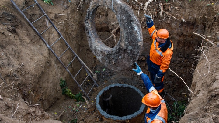 На Урале из-за обвала грунта во время ремонта канализации погиб мужчина