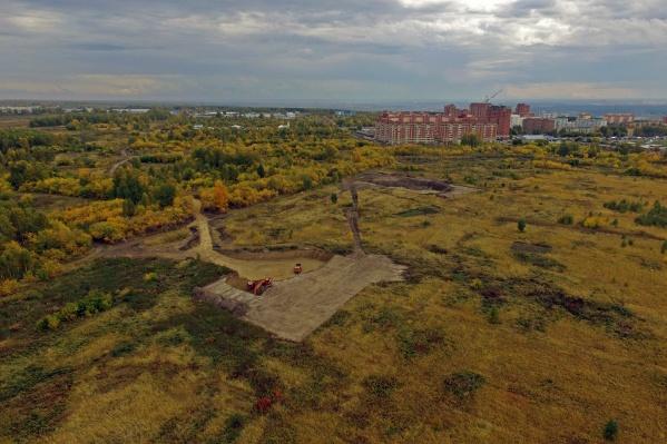 В администрации Октябрьского района не знают, кто выкопал ямы