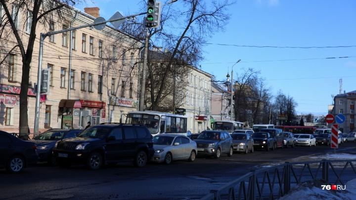 Из-за эвакуации в торговом центре «Флагман» на дорогах образовались огромные пробки