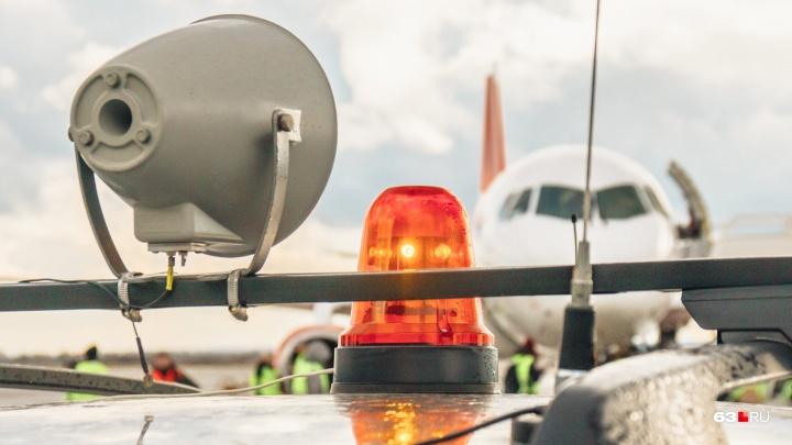 В Самаре на борту самолета умер пассажир