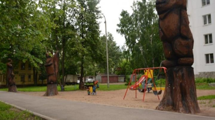 Креативные фигуры зверей  украсили уфимский двор